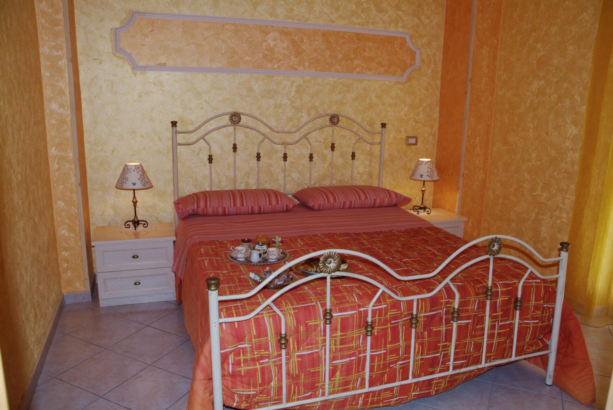 camera da letto alicudi, taormina appartamenti, apartment Taormina