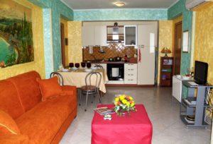 Soggiorno con cucina Taormina appartamenti, Taormina apartments, Appartamento Taormina mare