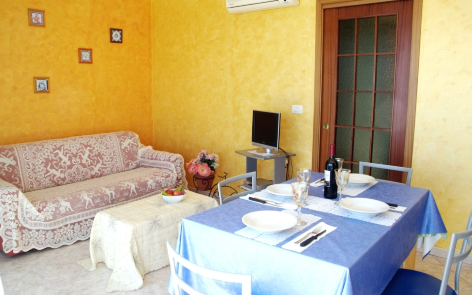 soggiorno cucina bellavista, taormina apartments, Taormina appartamenti