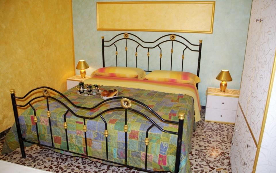 Camera da letto Vico, Taormina apartments, taormina mare appartamento